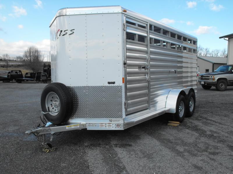Clearance 2015 Exiss Stock 616BP Horse Trailer