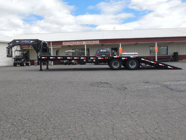 2017 Load Trail GN 102 x 30 Low Pro Hyd Dove Equipment Trailer