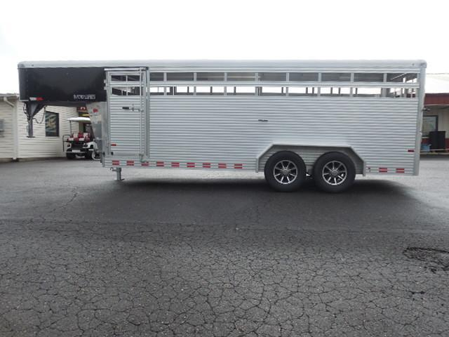 2017 Sundowner Trailers GN 20ft Rancher XP Livestock Trailer