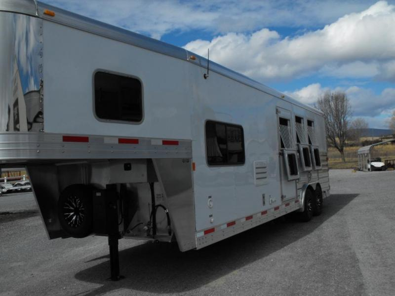 Clearance 2015 Exiss 3HLQ Horse Trailer