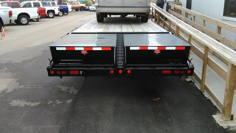 2016 PJ Trailers 32' Classic Flatdeck with Duals Trailer