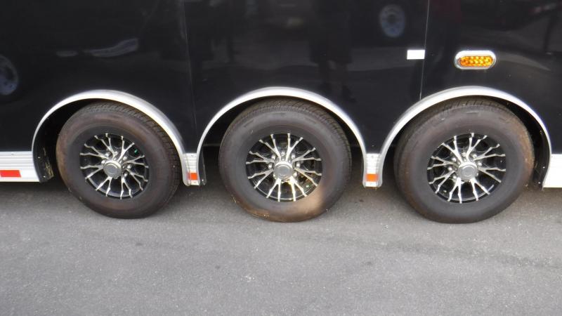 2018 34'  Spread Axle  Eliminator  by Cargo Mate IN STOCK!!!!