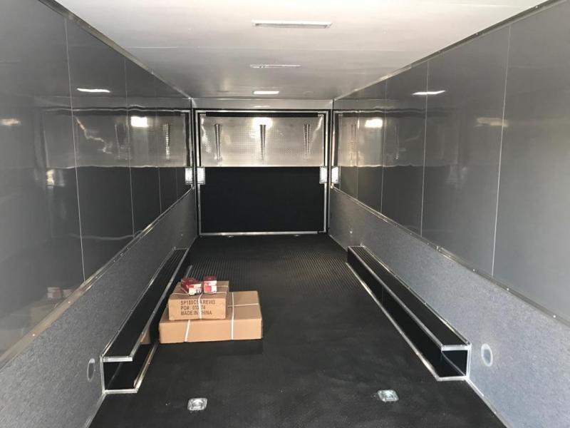 2018 32' Spread Axle Cargo Mate Eliminator