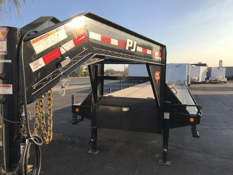 2018 PJ Trailers 34' Low Pro Hydraulic Dove