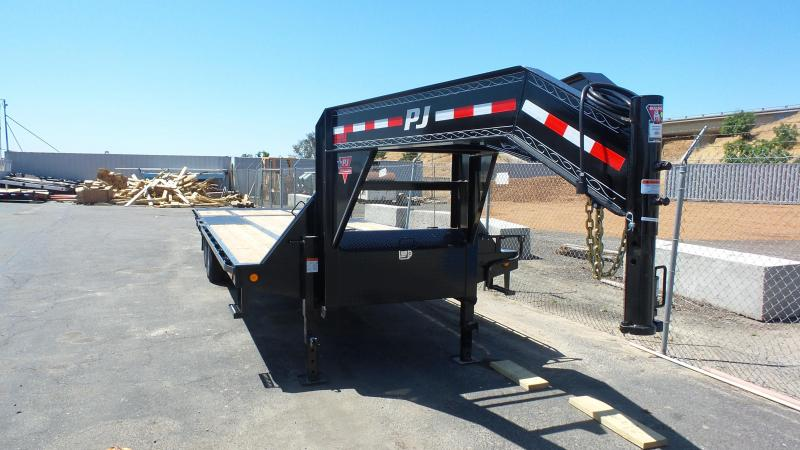 2017 PJ Trailers 32' Low Pro w/Hydraulic Dove