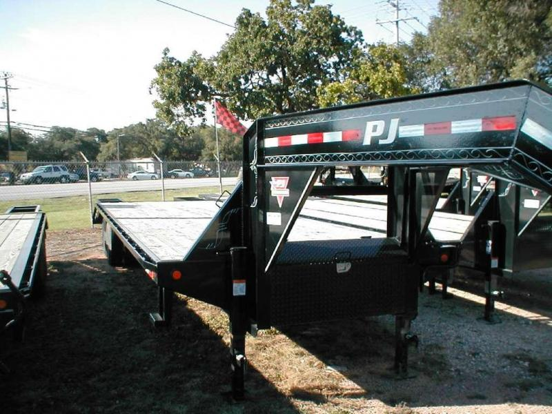 2017 PJ Trailers FD322 Equipment Trailers