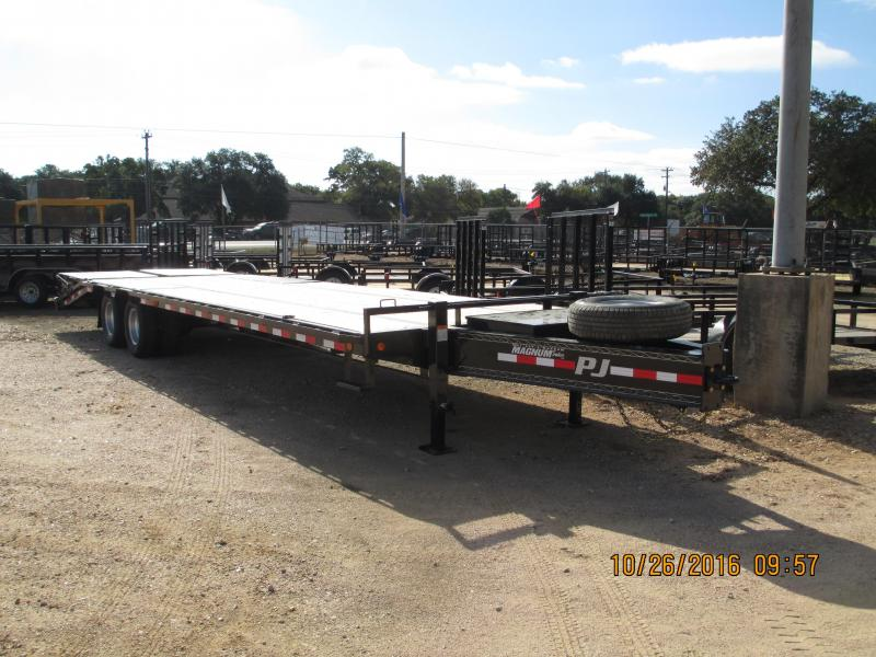 2017 PJ Trailers PLP30 Equipment Trailer