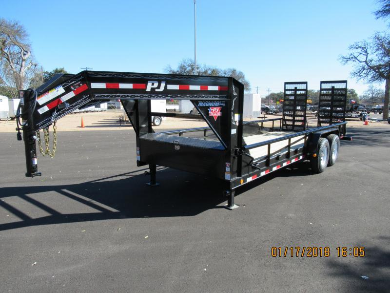 2018 PJ Trailers P820 Equipment Trailer