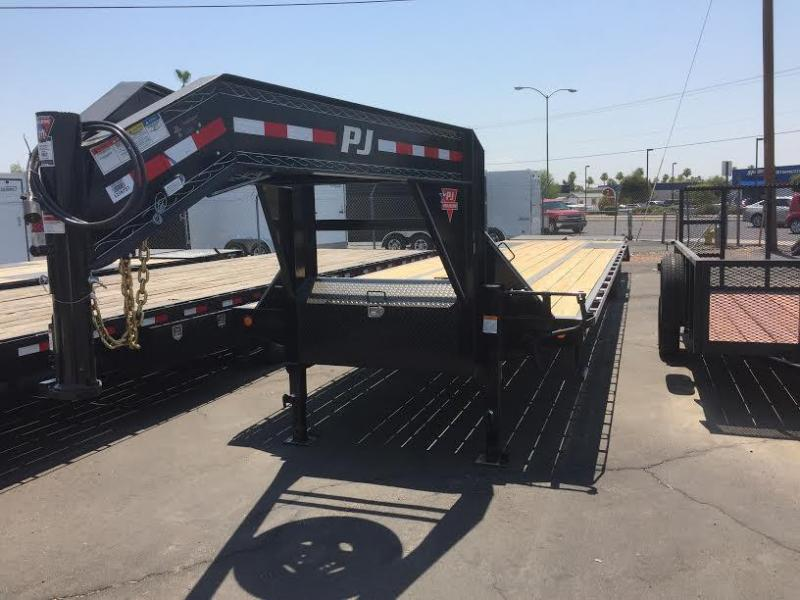 2018 PJ Trailers Low-Pro Gooseneck Equipment Trailer