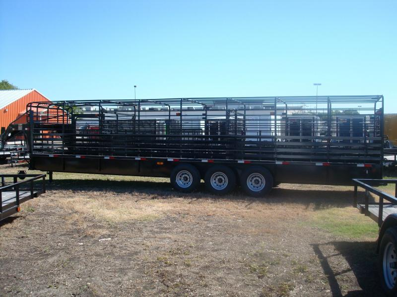 2018 Salvation Trailers 32' Livestock Trailer