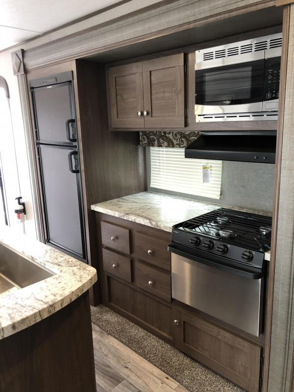 2018 Keystone RV HIDEOUT 32BHTS Travel Trailer
