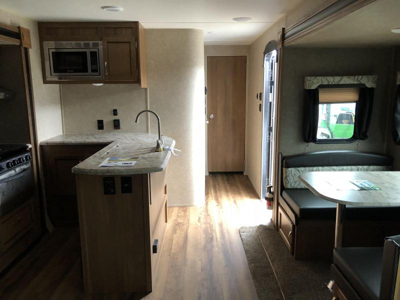 2018 Coachmen CATALINA 333BHTSCK Travel Trailer