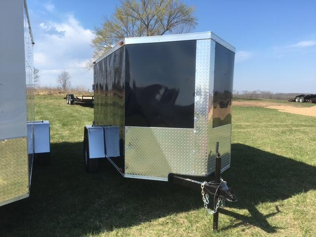2017 TRAILER TRENDZ 06611 Enclosed Cargo Trailer 5' X 8' V-NOSE BARN DOORS BLACK