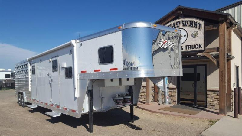 2016 Exiss Trailers STC 832 10 SW Stock Combo Bunk Beds LQ Livestock Trailer
