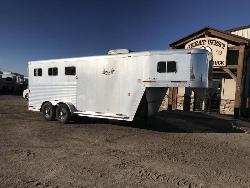 2000 Exiss Trailers Horse Trailer