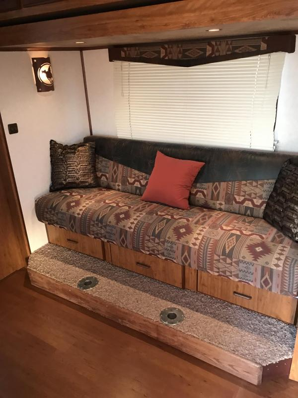 2008 Trails West Manufacturing 12 SW 4 Horse Bunk Bed Slide Out Trailer Horse Trailer