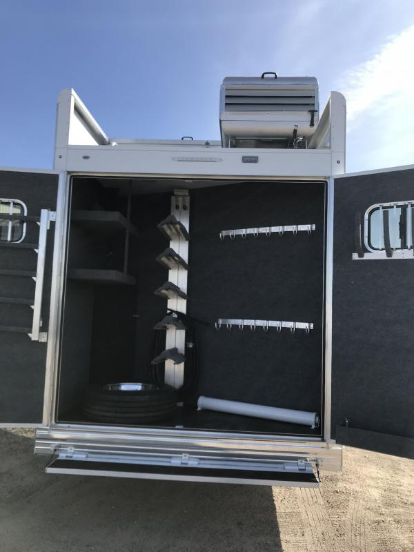 "2018 Bloomer Trailer Manufacturing 17'9"" SW 5 Horse Trailer with Outlaw"