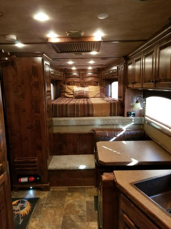 2012 Bloomer Trailer Manufacturing 2012 Bloomer 14 SW 3H PC Load Living Quarters Horse Trailer