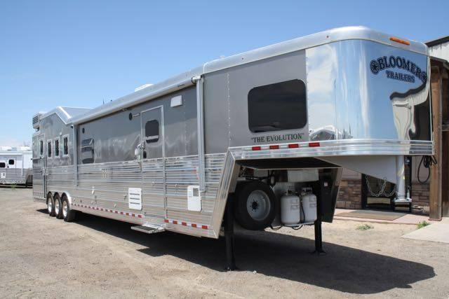 2016 Bloomer 19' SW Apartment 4H Trailer PC load Outlaw Customer Interior!