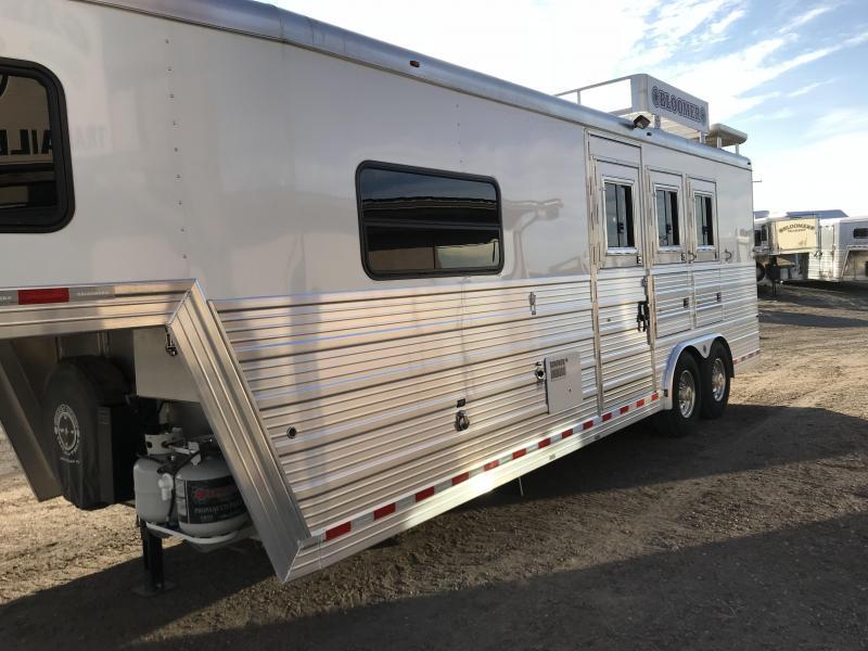 2008 Bloomer Trailer Manufacturing 9'SW 3 Horse Trailer