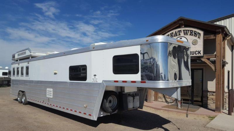 2007 Bloomer Trailer Manufacturing 16SW Couch/Dinette Combo 4 horse Horse Trailer