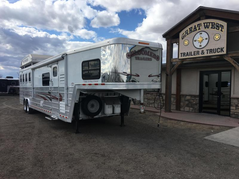2009 Bloomer Trailer Manufacturing 15.5 Short wall with Slide Out 4 Horse Trailer