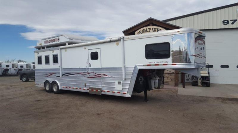 2008 Bloomer Trailer Manufacturing Horse Trailer