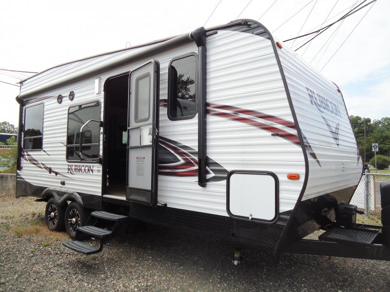 2017 DUTCHMEN RUBICON TOY HAULER RV 2100
