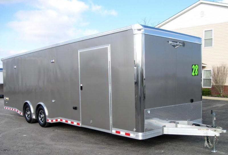 2018 ALL ALUMINUM 28' NEW Extreme w/Red Cabinets & Wing
