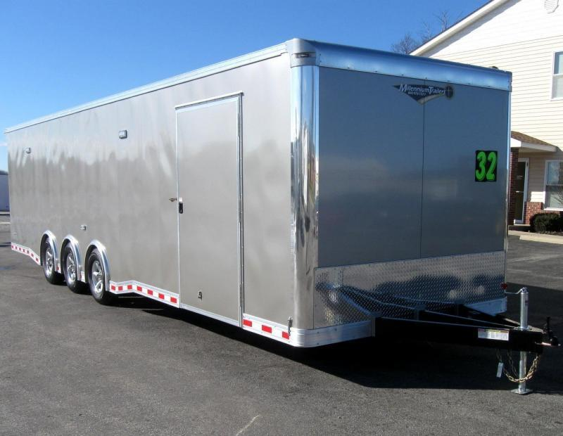 2018 32' NEW Millennium Extreme w/Spread Axle & Wing