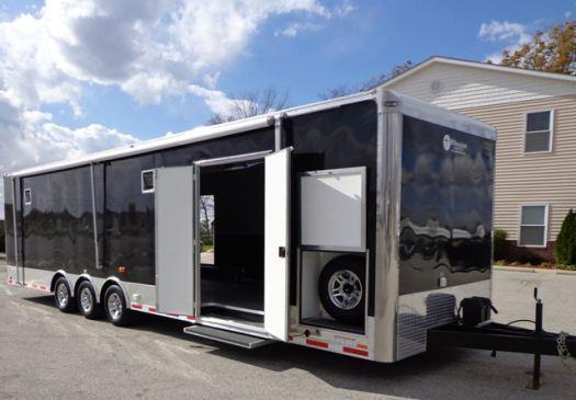 2018 SHOW TRAILER 32' Millennium Auto Master Triaxle with Awning