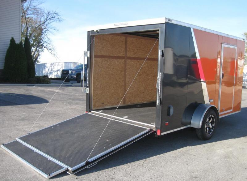 """USED 2016 Scout Enclosed Cargo Trailer Screwless Exterior w/30"""" V-nose Front & 2 Door Cabinet"""