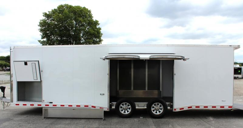 <b>YEAR-END BLOWOUT DEAL SAVE $5000 OFF MSRP NOW $32999 </b> 2019 28' All Aluminum with Escape Door w/Removable Wheel Box & Wing