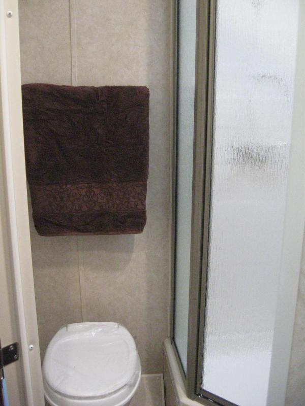 2018 44' Millennium Silver Living Quarters 12'Sofa +8'/Large Bath w/Large Corner Shower