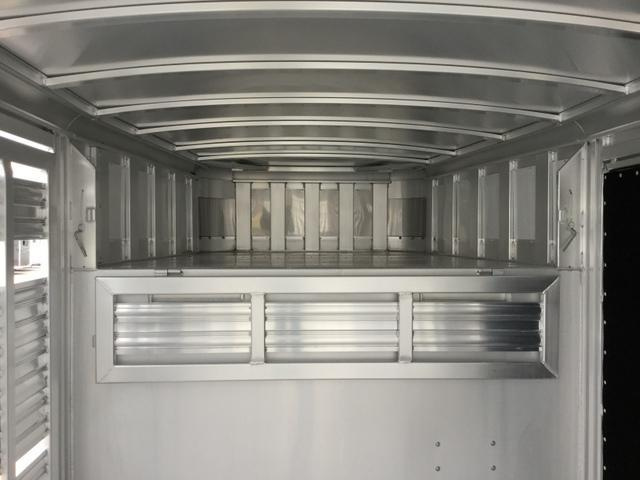 2018 Platinum Coach 24 Show Stock Livestock Trailer