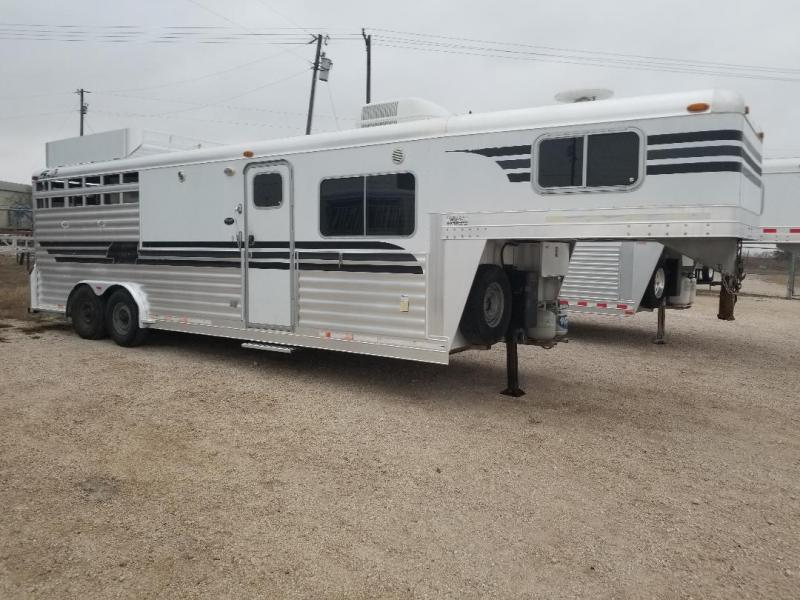 2004 4-Star Trailers 2004 3H 11 Horse Trailer