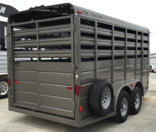 2017 CM STOCKER 16 FT BUMPER PULL Livestock Trailer