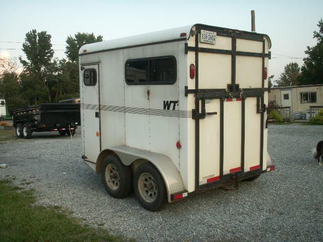 1999 World Trailers 2H TB Horse Trailer