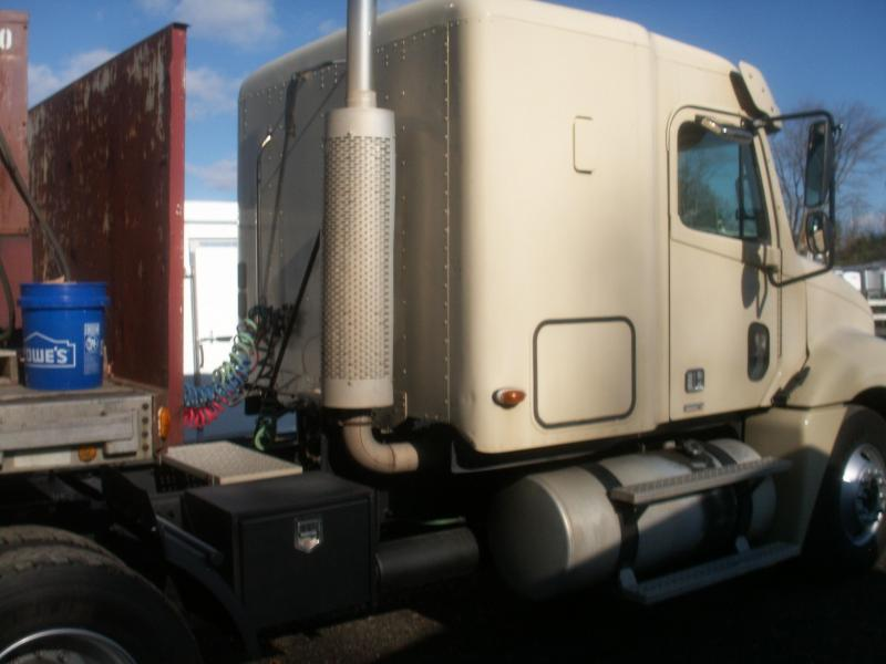 2005 Freightliner tandem tractor columbia cab Truck