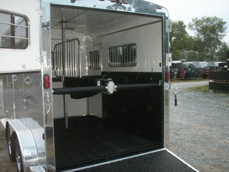 2018 Homesteader Inc. 2-H WARMBLOOD STALLION HORSE TRAILER Horse Trailer