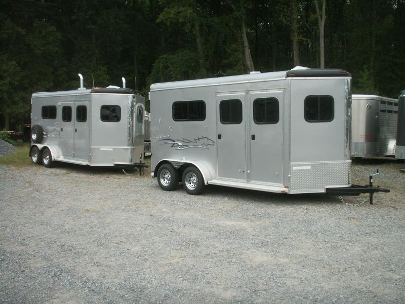 2017 Homesteader Inc. 2-H WARMBLOOD STALLION HORSE TRAILER Horse Trailer