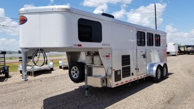 2017 Sundowner Trailers Santa Fe GN Horse 3 Horse LQ SD-40