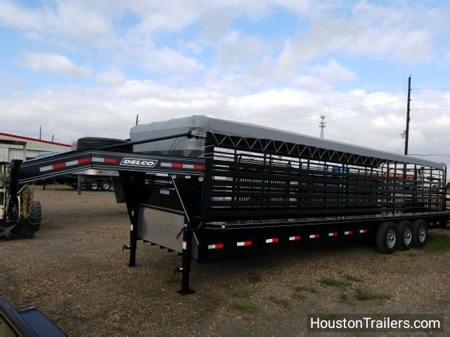 """2018 Delco Trailers 32' x 6'8"""" Bar Top Livestock Trailer DEL-28"""