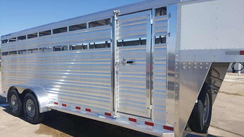2017 CM Trailers 20' Roundup AL Livestock / Cattle Trailer CM-9