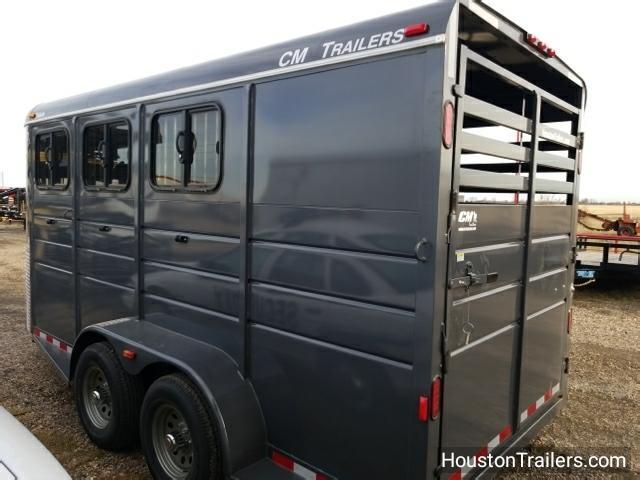 2018 CM Trailers 3 Horse Dakota 16' x 6;8 x 7' Horse Trailer CM-42