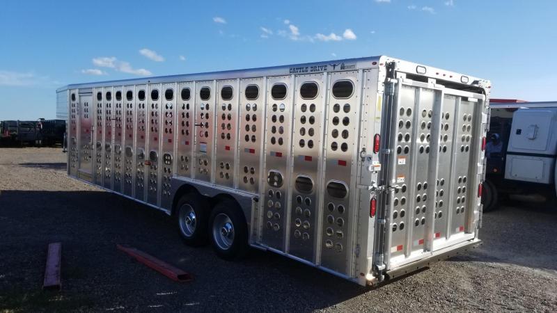 Merritt Trailers 28' Cattle Drive TA Livestock Trailer MT-2