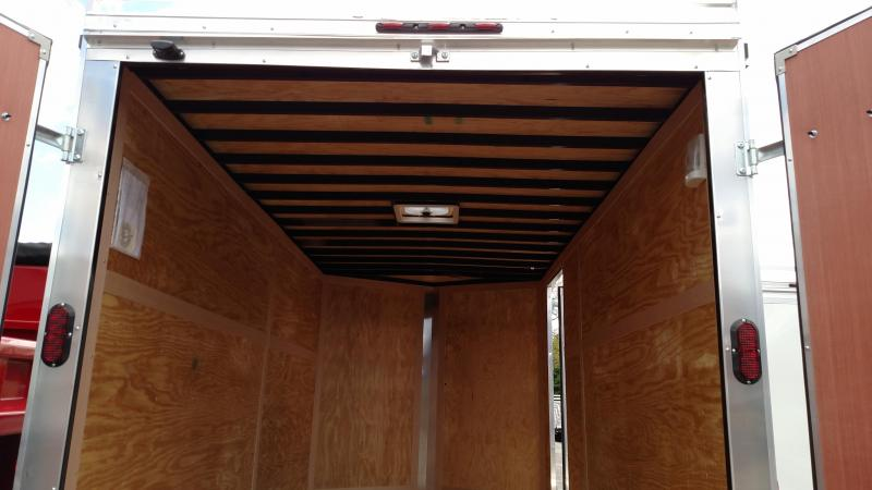 HOMESTEADER 2017 7' x 14'  WHITE V-NOSE PATRIOT ENCLOSED TRAILER WITH CONTRACTOR'S PACKAGE & LADDERS