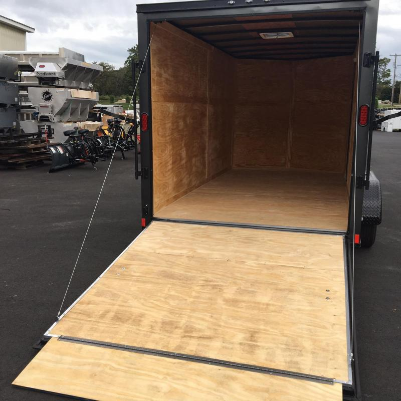 DIAMOND CARGO 2018 7 x 14 TANDEM AXLE ENCLOSED CARGO TRAILER