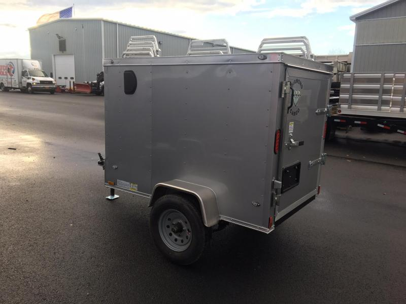 DIAMOND CARGO 2018 4' x 6' SINGLE AXLE SILVER ENCLOSED CARGO TRAILER