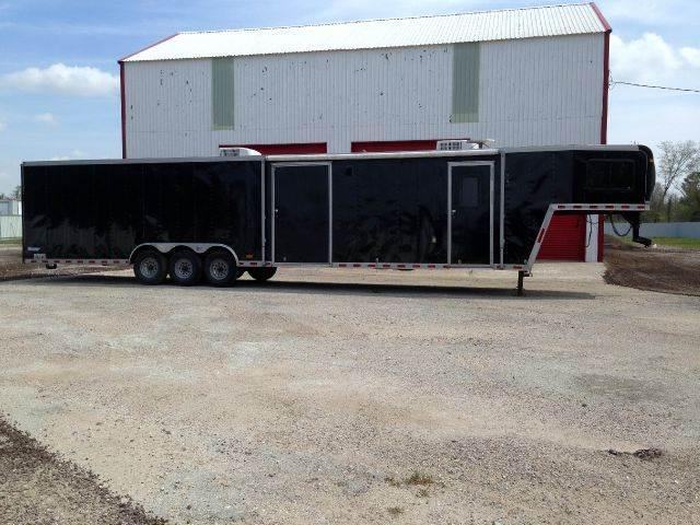 2004 PACE AMERICAN SHADOW 8.5X44 TRAILER TRIPLE AXLE GOOSENECK LIVING QUARTERS